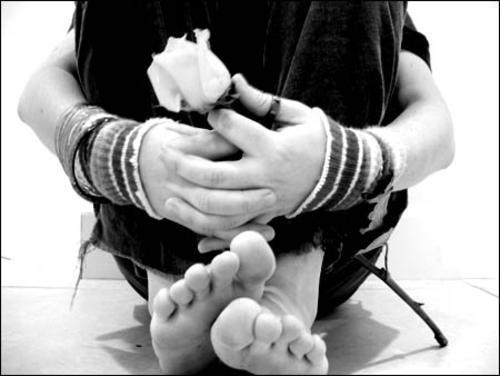 http://www.psicologa.mex.tl/imagesnew/4/7/9/1/4/amor-imposible-emo-dolor-emo-amor-emo-suicida-poemas-de-amor.jpg